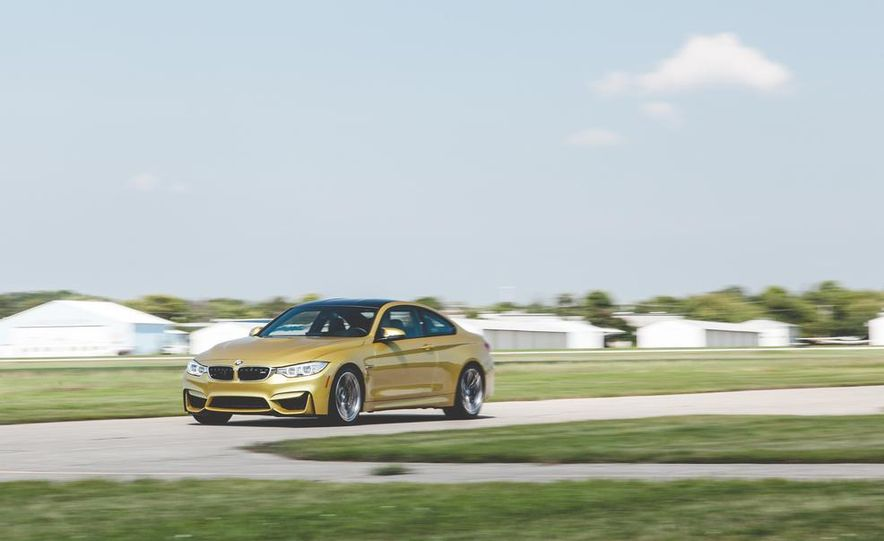 2015 BMW M4 - Slide 1