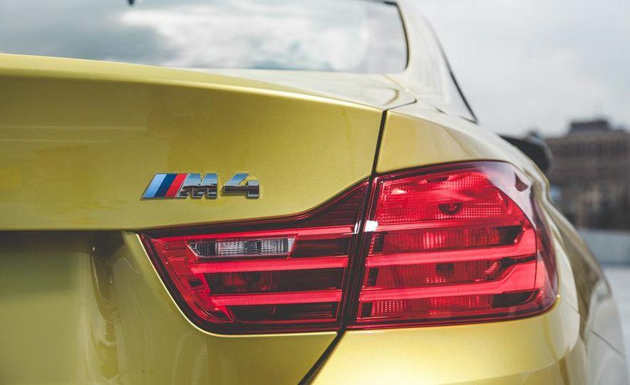 2015 BMW M4 - Slide 18
