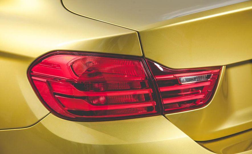 2015 BMW M4 - Slide 19