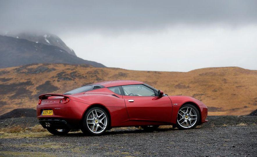 2009 Lotus Evora model shown - Slide 4