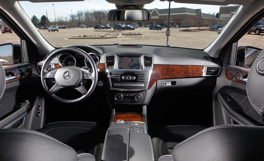 2014 Mercedes-Benz B-class Electric Drive model shown - Slide 53