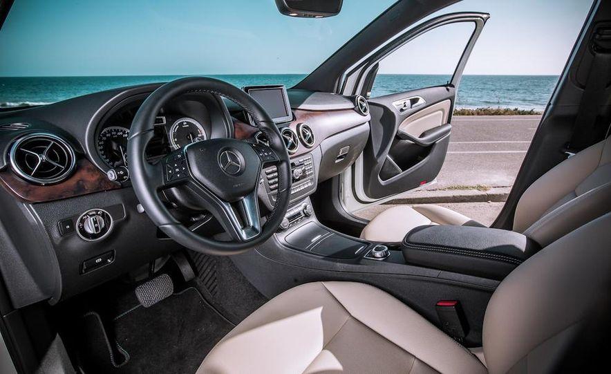 2014 Mercedes-Benz B-class Electric Drive model shown - Slide 3