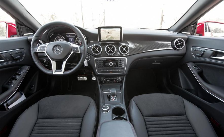 2014 Mercedes-Benz B-class Electric Drive model shown - Slide 17