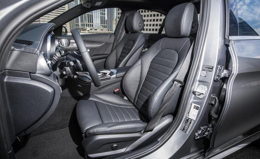 2014 Mercedes-Benz B-class Electric Drive model shown - Slide 7