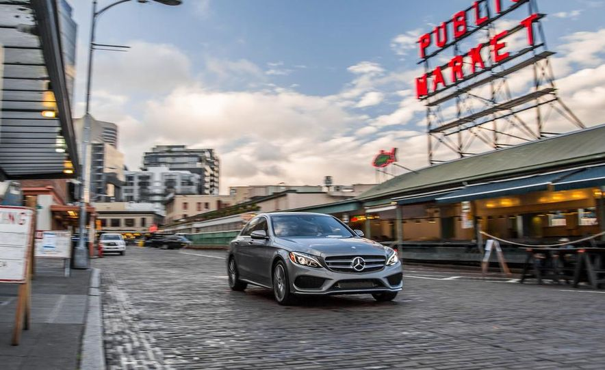 2014 Mercedes-Benz B-class Electric Drive model shown - Slide 4