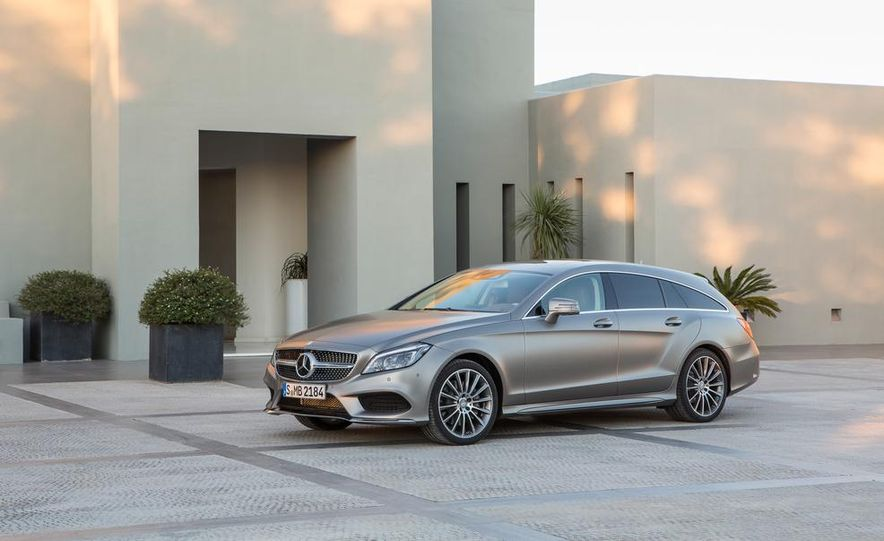 2014 Mercedes-Benz B-class Electric Drive model shown - Slide 19