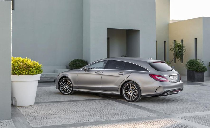 2014 Mercedes-Benz B-class Electric Drive model shown - Slide 20