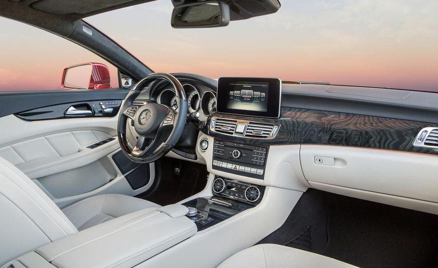 2014 Mercedes-Benz B-class Electric Drive model shown - Slide 23