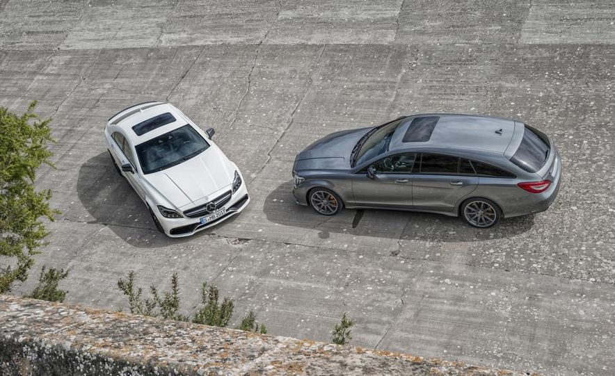 2014 Mercedes-Benz B-class Electric Drive model shown - Slide 25