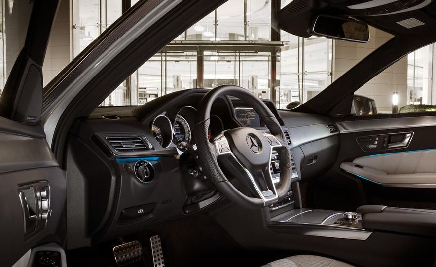 2014 Mercedes-Benz B-class Electric Drive model shown - Slide 38