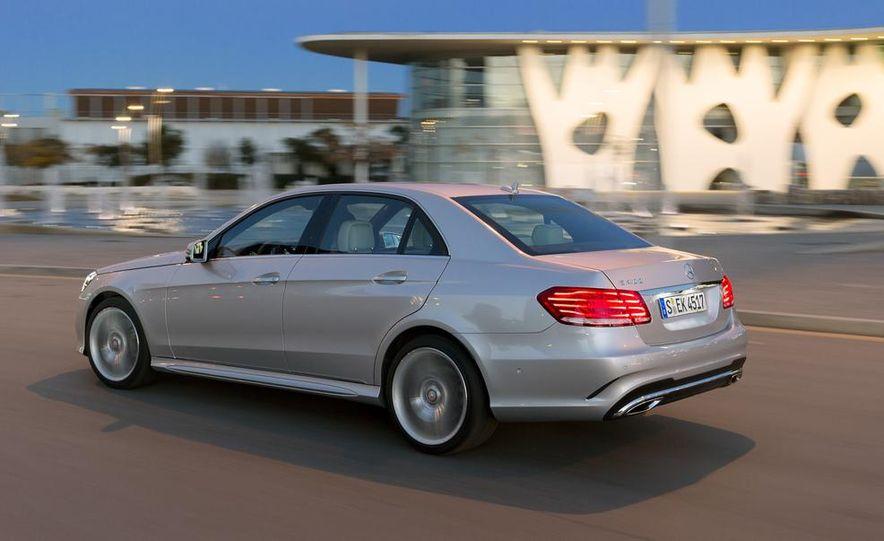 2014 Mercedes-Benz B-class Electric Drive model shown - Slide 36