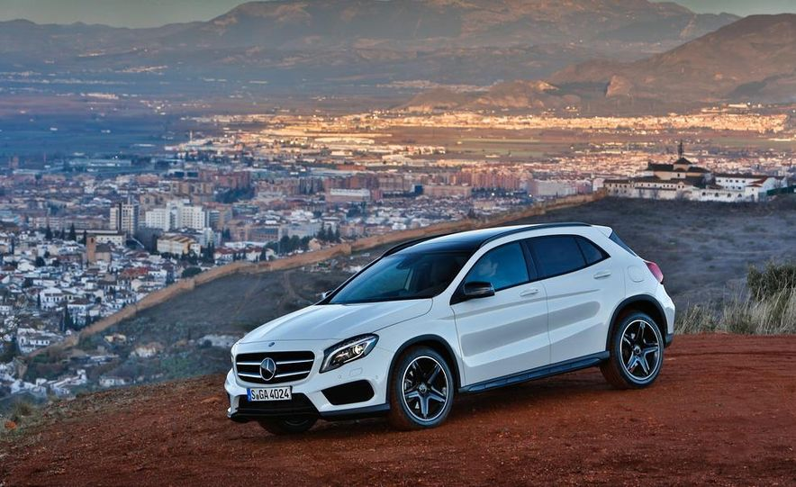 2014 Mercedes-Benz B-class Electric Drive model shown - Slide 57