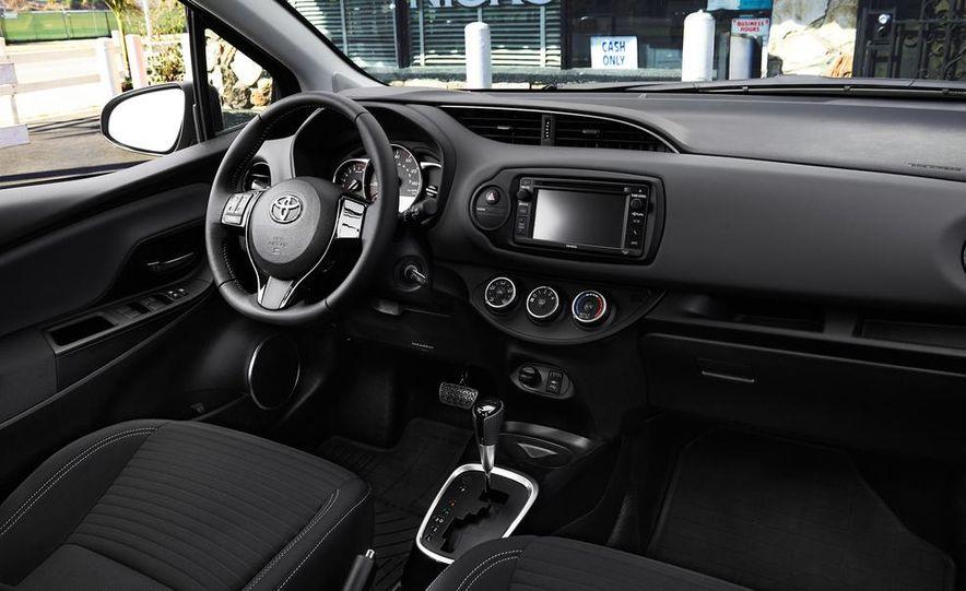 2015 Toyota Yaris SE - Slide 28