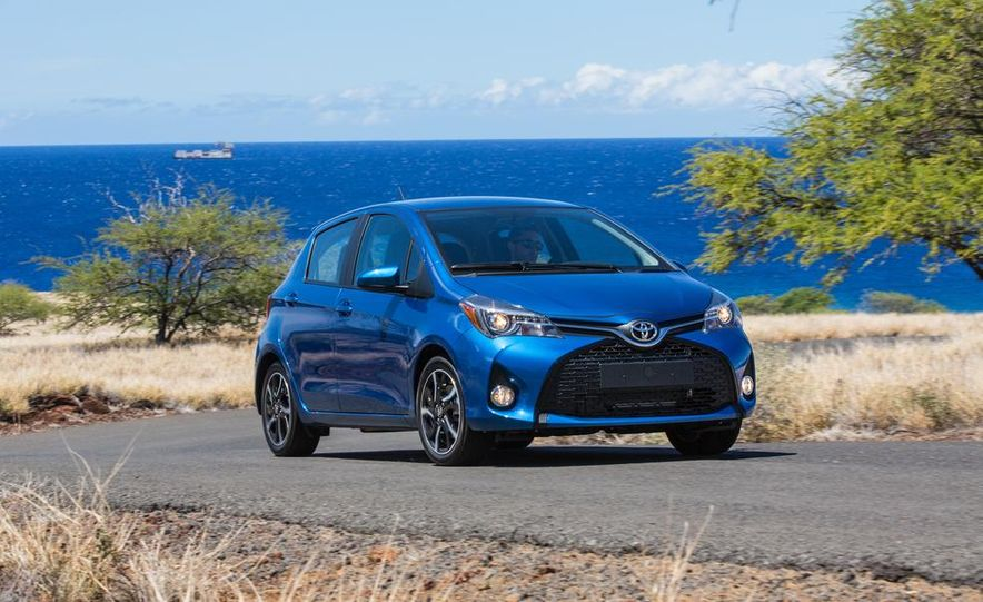 2015 Toyota Yaris SE - Slide 20