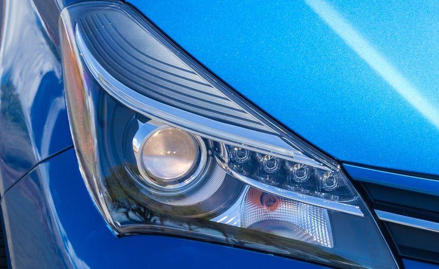 2015 Toyota Yaris SE - Slide 25