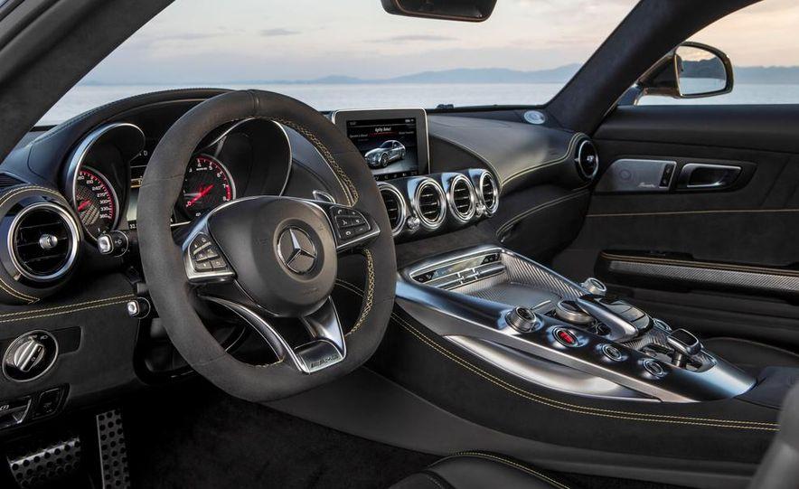 2016 Mercedes-AMG GT - Slide 44