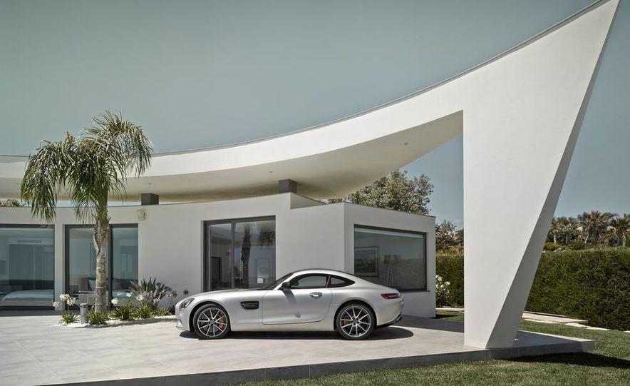 2016 Mercedes-AMG GT - Slide 54