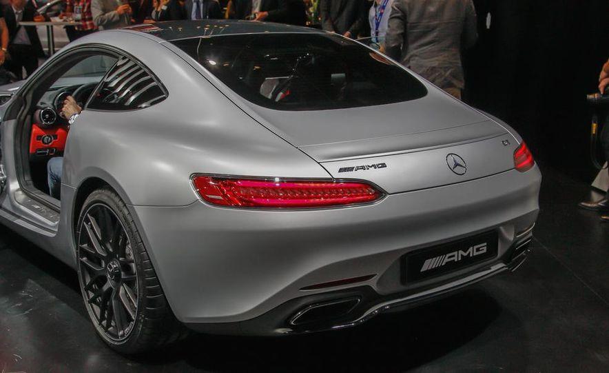 2016 Mercedes-AMG GT - Slide 14