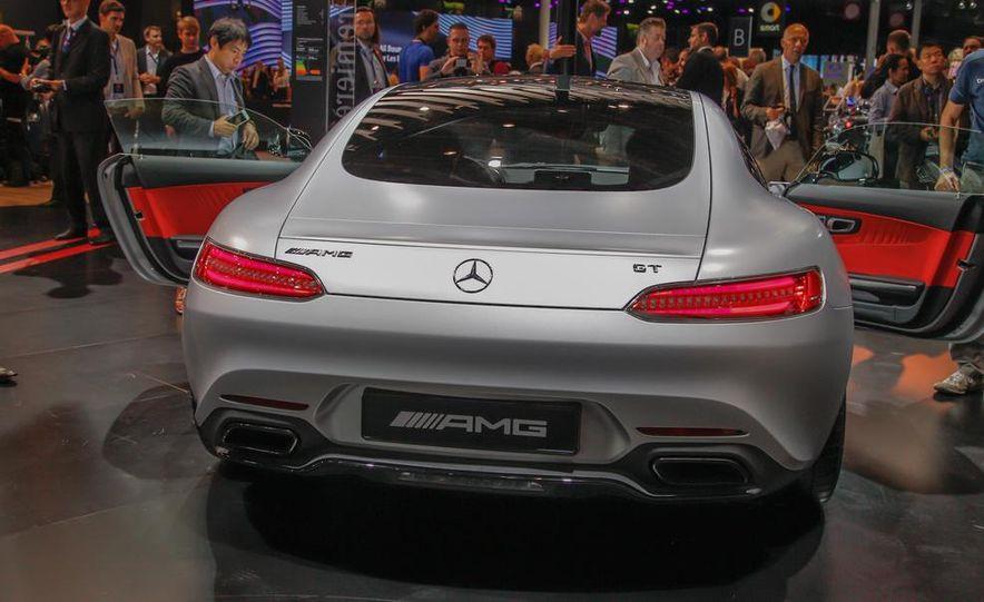2016 Mercedes-AMG GT - Slide 18