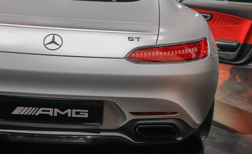 2016 Mercedes-AMG GT - Slide 19