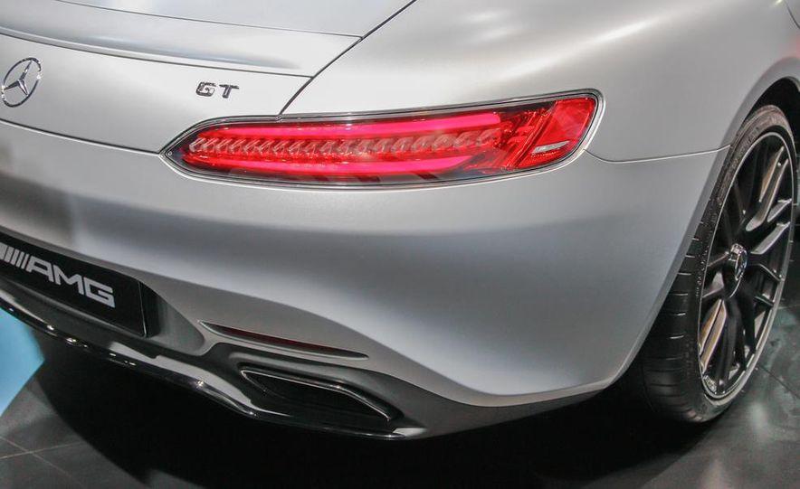 2016 Mercedes-AMG GT - Slide 20
