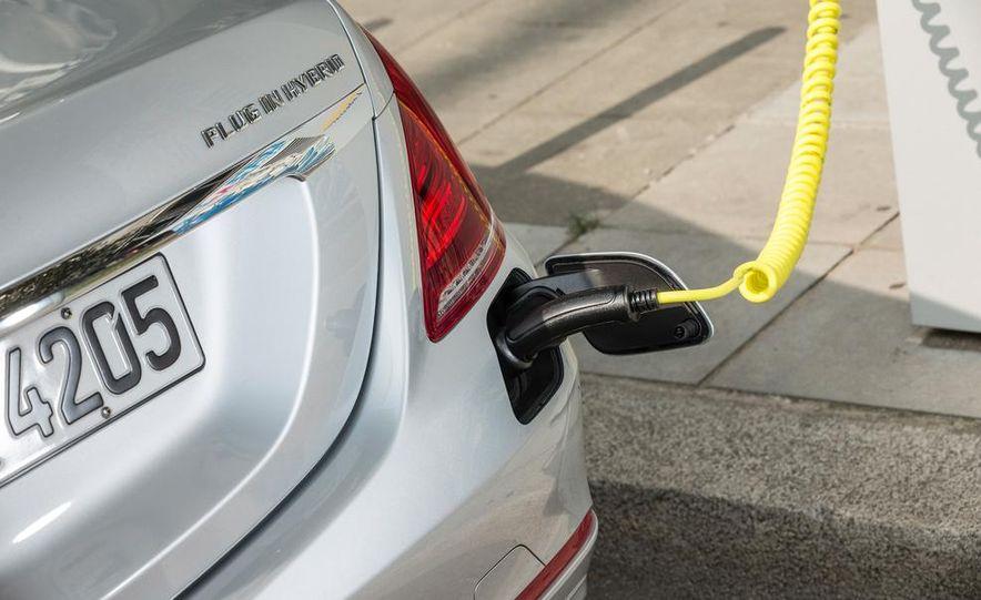 2015 Mercedes-Benz S550 plug-in hybrid - Slide 25