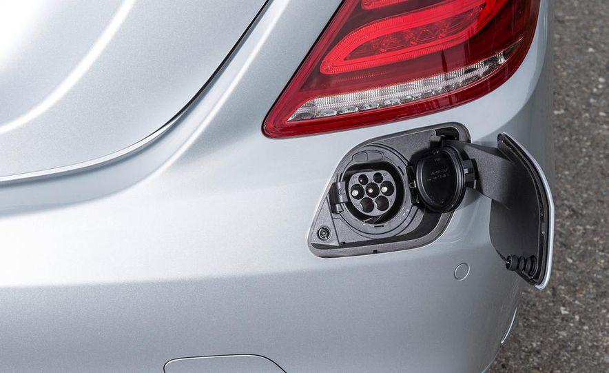 2015 Mercedes-Benz S550 plug-in hybrid - Slide 23