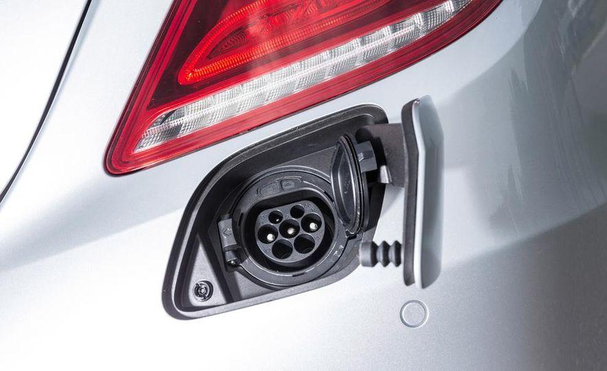 2015 Mercedes-Benz S550 plug-in hybrid - Slide 24