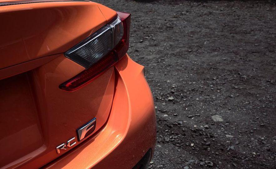 2015 Lexus RC F - Slide 37