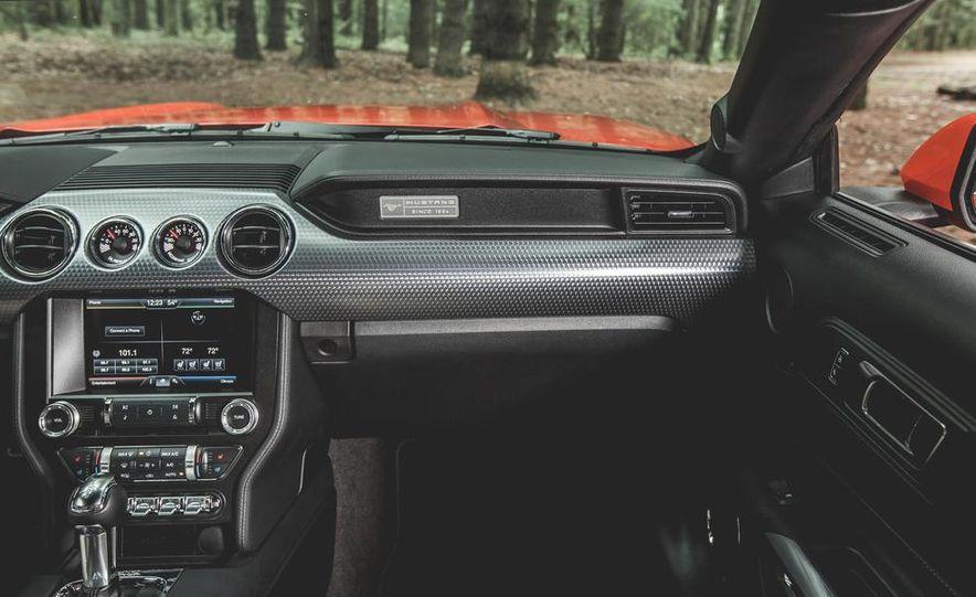 2015 Ford Mustang 2.3L EcoBoost - Slide 17