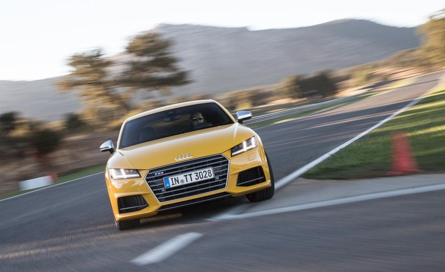2016 Audi TTS - Slide 7