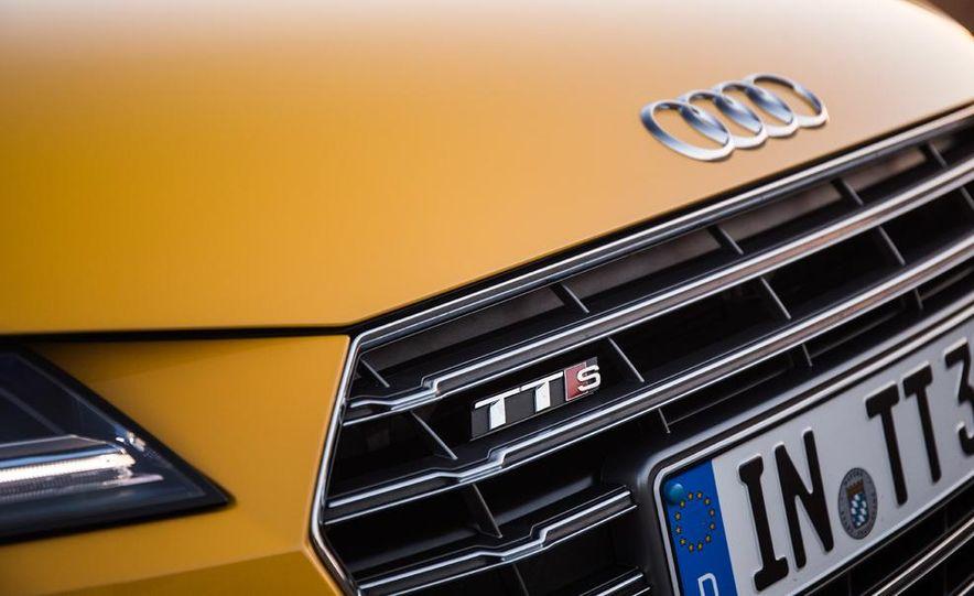 2016 Audi TTS - Slide 33