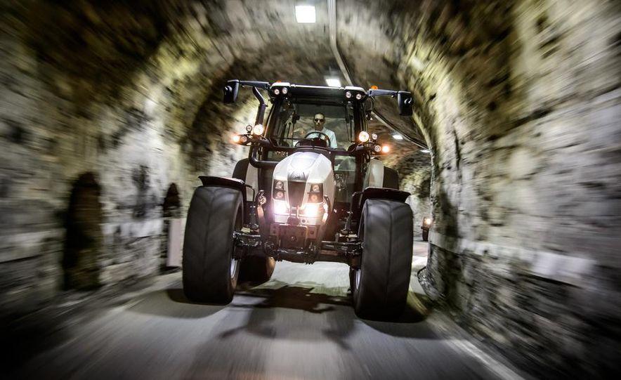 Lamborghini Nitro tractor - Slide 4