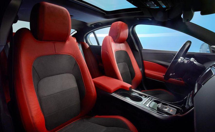 2017 Jaguar XE S - Slide 18