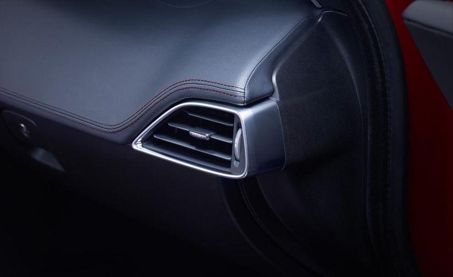 2017 Jaguar XE S - Slide 24