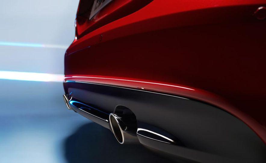 2017 Jaguar XE S - Slide 15
