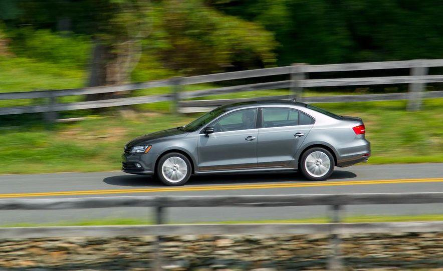 2015 Volkswagen Jetta SE TSI - Slide 2