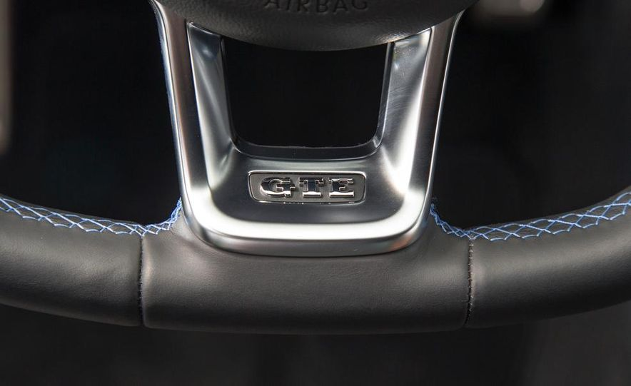 2015 Volkswagen Golf GTD, Golf GTE, and GTI - Slide 28