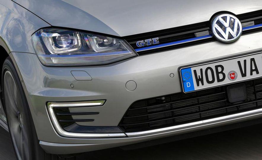 2015 Volkswagen Golf GTD, Golf GTE, and GTI - Slide 26