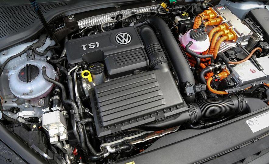 2015 Volkswagen Golf GTD, Golf GTE, and GTI - Slide 33