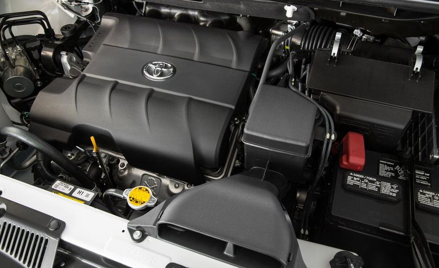 2015 Toyota Sienna Limited - Slide 37