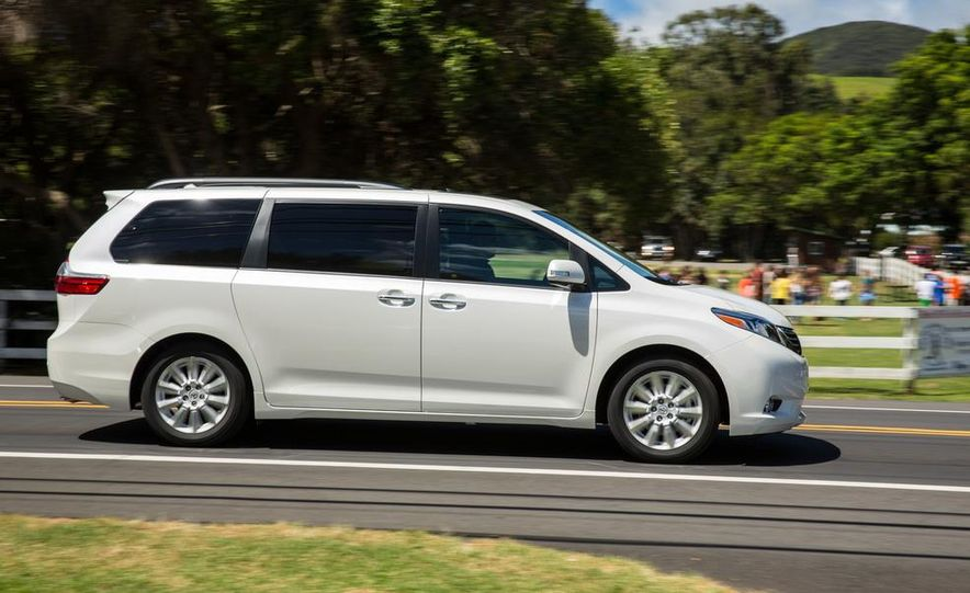 2015 Toyota Sienna Limited - Slide 9