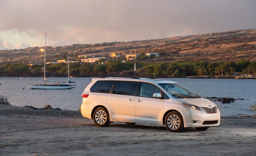 2015 Toyota Sienna Limited - Slide 15