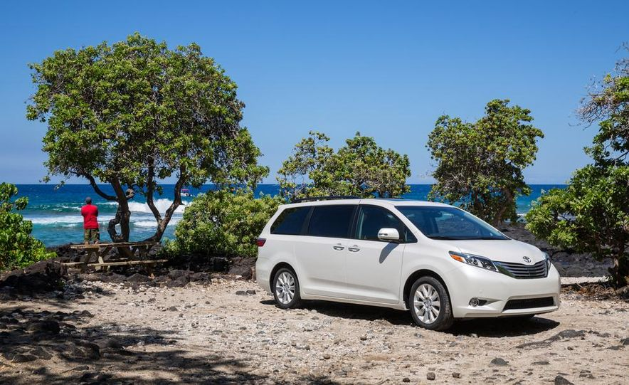 2015 Toyota Sienna Limited - Slide 16