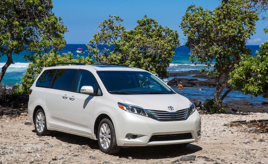 2015 Toyota Sienna Limited - Slide 17