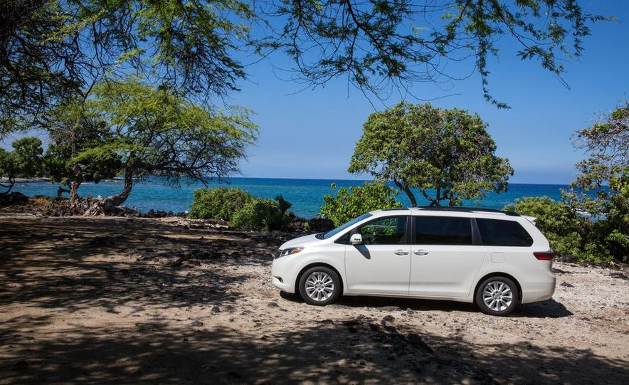 2015 Toyota Sienna Limited - Slide 19