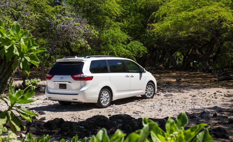 2015 Toyota Sienna Limited - Slide 21