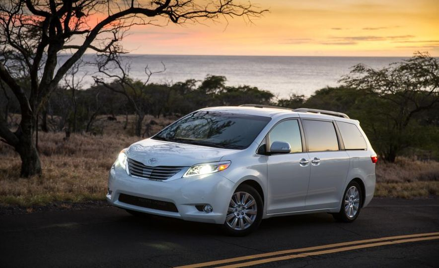 2015 Toyota Sienna Limited - Slide 23