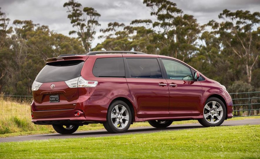 2015 Toyota Sienna Limited - Slide 71