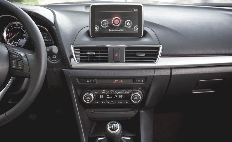 2015 Mazda 3 2.5L hatchback - Slide 19